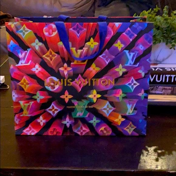 Louis Vuitton Medium Gift Bag